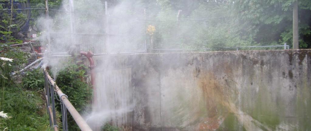 High pressure nozzles produce an effective mist