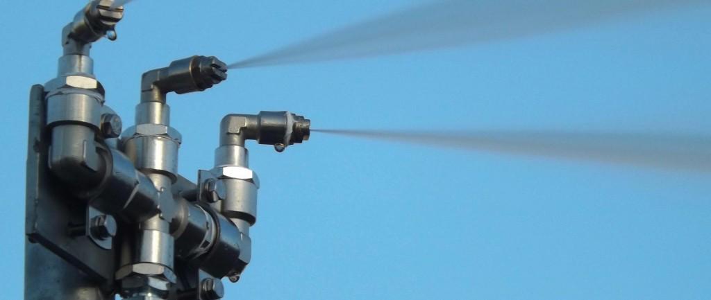 Flat-fan spray nozzles
