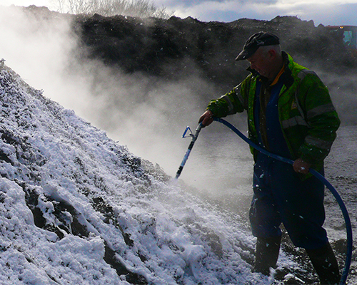 gallery-foam-lance-customer-spraying-foam-pile-steam